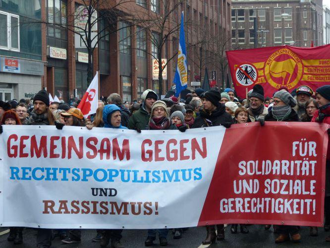 demo-gegen-rechtspopulismus-und-rassismus_1422903345